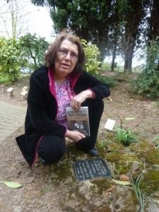 Susan S at Victoria's plaque, BS